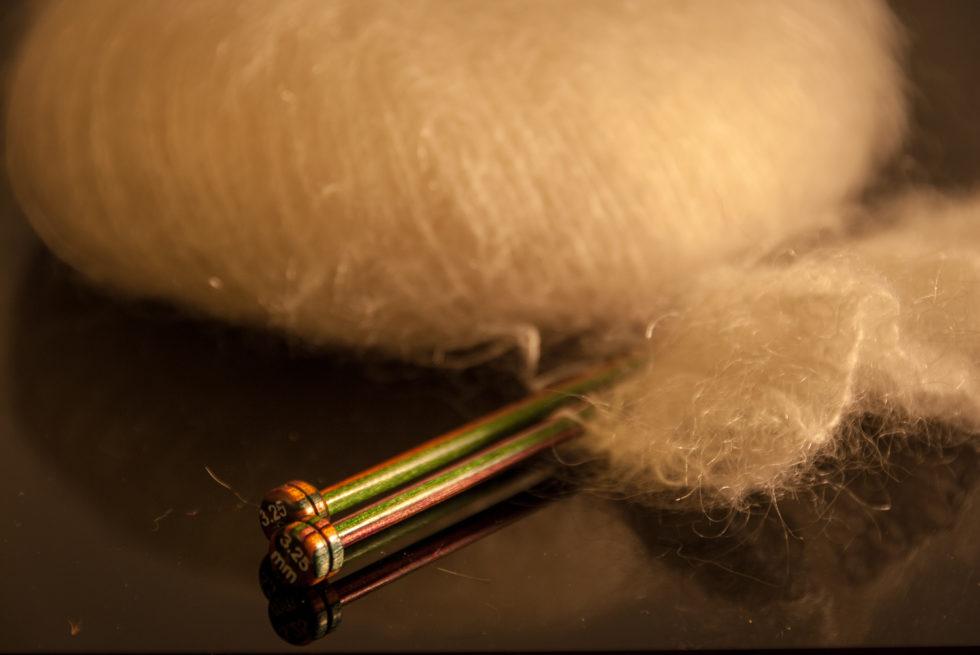 016/366 Knitting