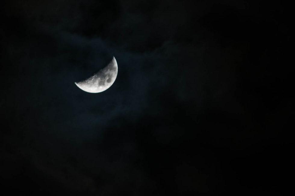 036/365v2 A Cloudy Moon