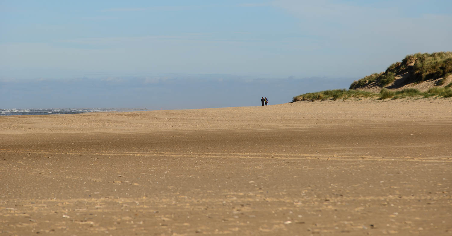 Holkham Beach, Wells-next-the-Sea, Norfolk, Couple