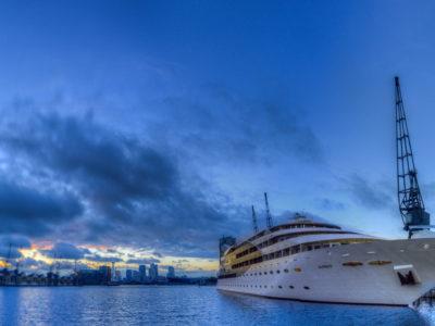 136/365v3 – Sunborn Floating Hotel