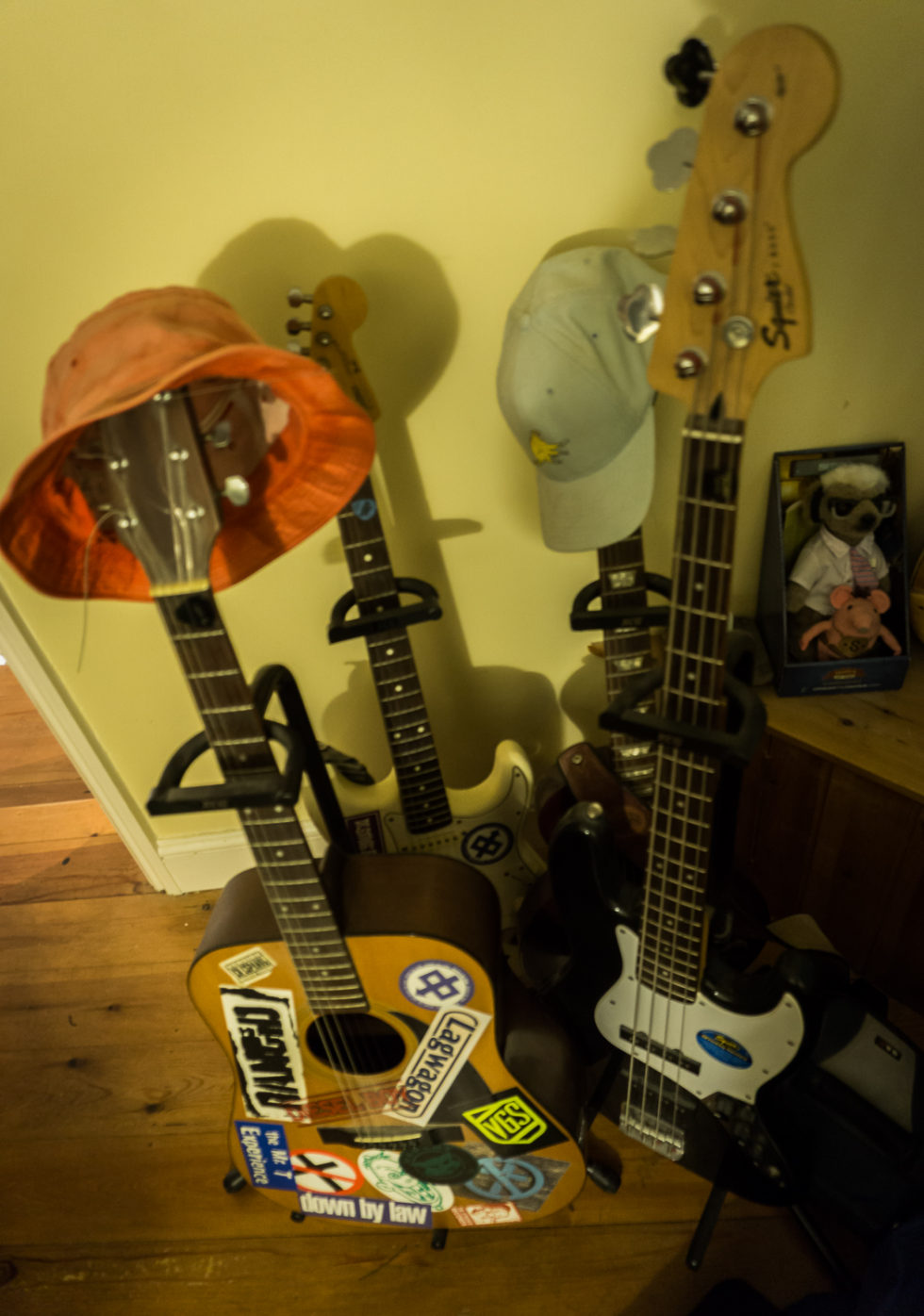 154/365v3 – Guitars With Hats
