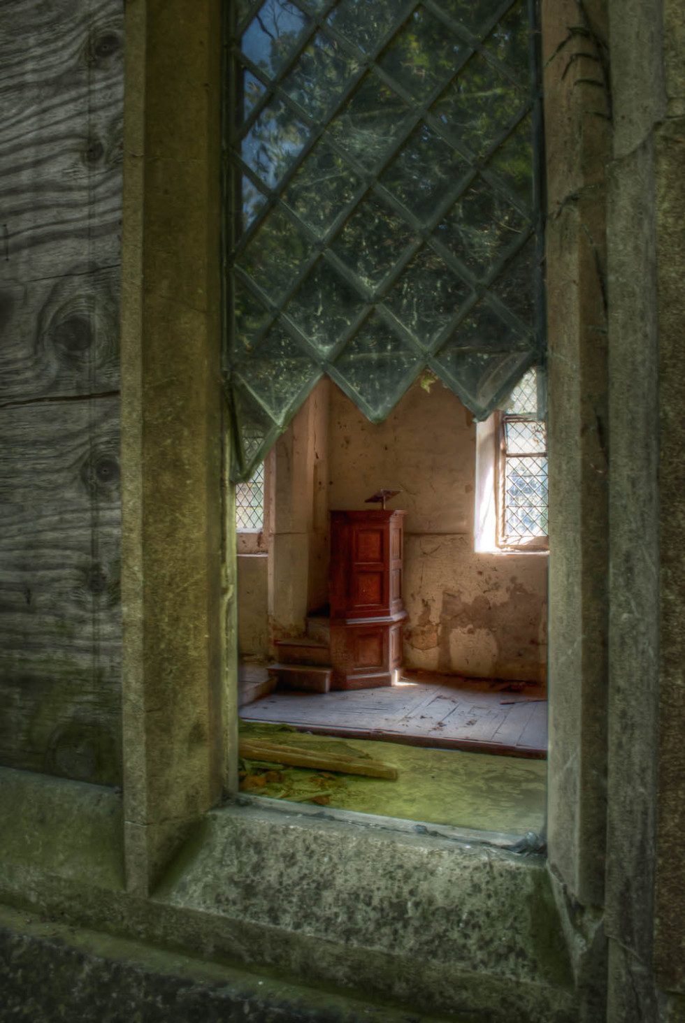 Berners Roding Church Looking In