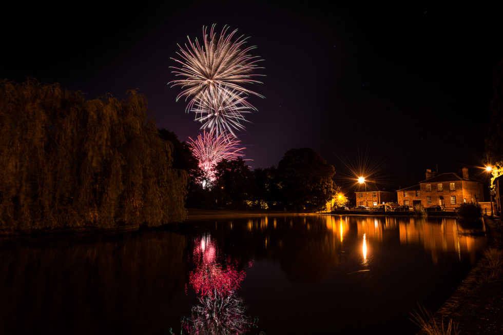 Dunmow_Carnival_Fireworks